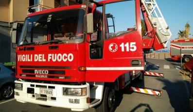 Canna fumaria in fiamme a Masserano