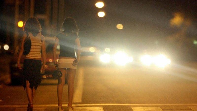 prostituta insulta, lite, ciclista
