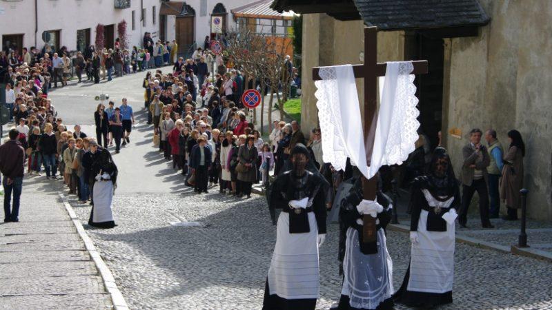 Sette Marie domenica 25 la processione a Varallo