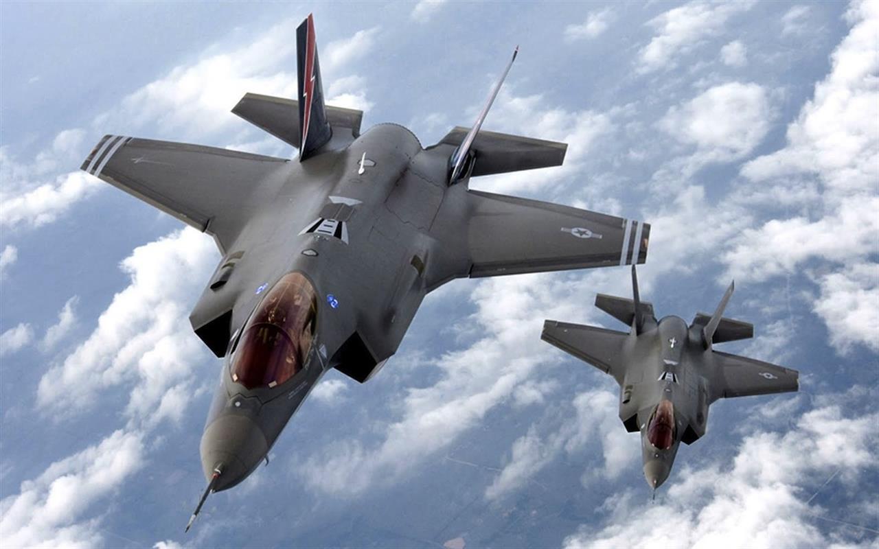 Aereo Da Caccia Oggi : Caccia nato in volo per intercettare aerei russi
