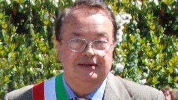 Giuseppe Peretti oggi i funerali dell'ex sindaco di Villa del Bosco