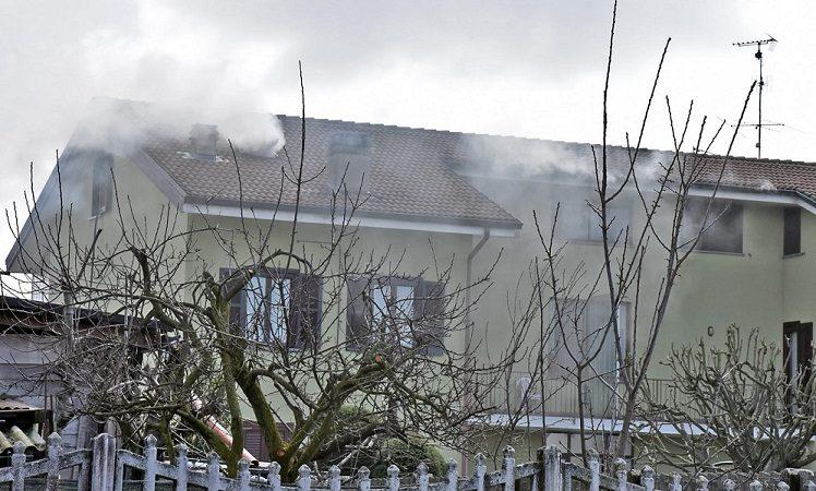 Gattinara incendio in una mansarda di via Fornace
