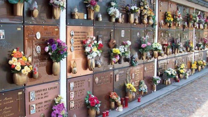 ladri al cimitero