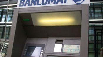 distrugge bancomat