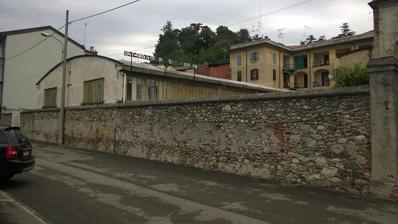 Bocciodromo Romagnano iniziati i lavori per togliere l'eternit
