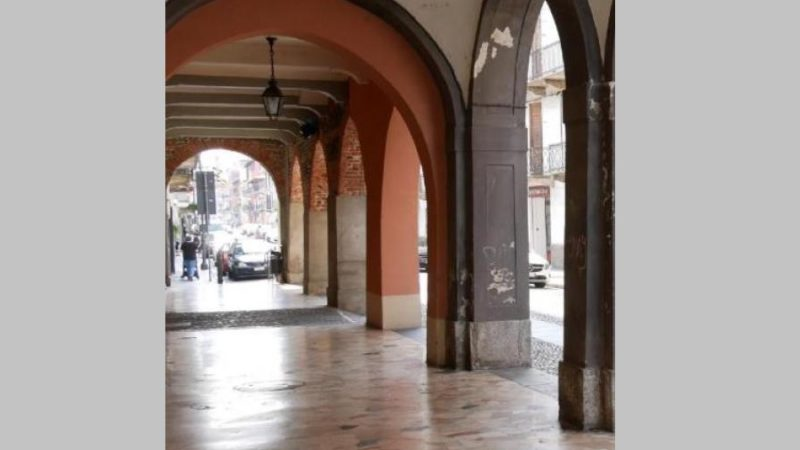Portici gattinara si cambia lo storico pavimento in marmo notizia