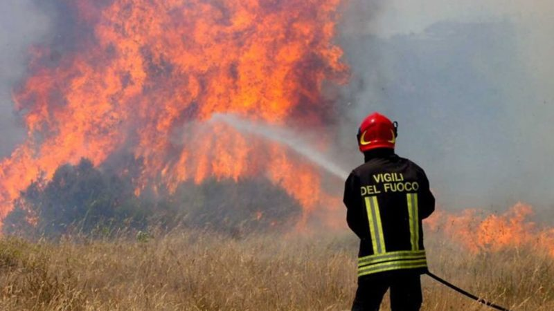 montagna in fiamme