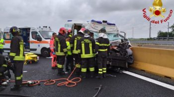 incidente tra ambulanza