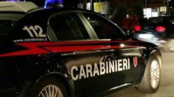 scappa dai carabinieri