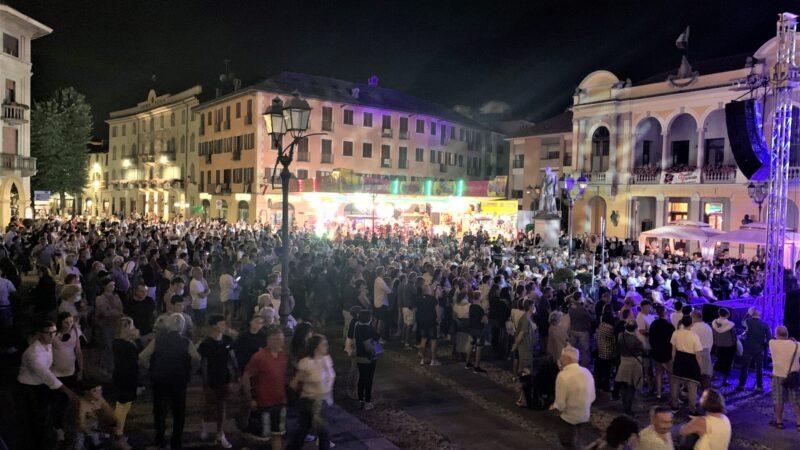 """Varallo in piazza come ai tempi della """"vecchia"""" Alpàa. Le foto"""