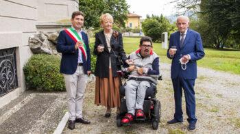 Quarona accoglie il regalo di Ermanno Zamboni: presentata la Cricifissione. Le foto