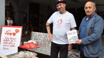"""Armando in piazza a Gattinara per aiutare """"Vita più"""""""